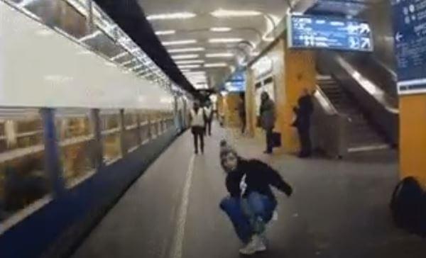Metroda Çantasını Zorlanmadan Ezdirmek