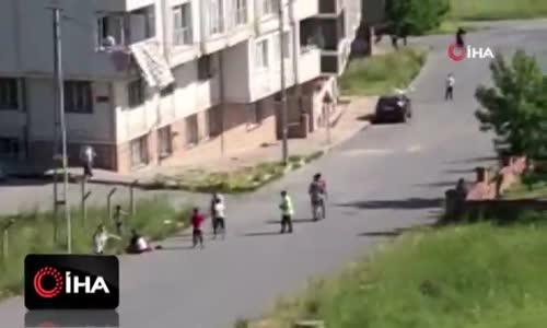 Sokak ortasında karısına kurşun yağdırdı