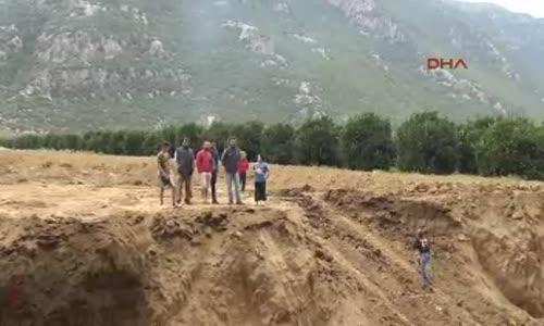 Arazi KazısındaOrtaya Çıktı  2 Bin 400 Yıllık