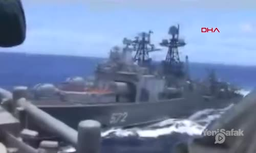 ABD ve Rus Savaş Gemileri Çarpışmanın Eşiğinden Döndü