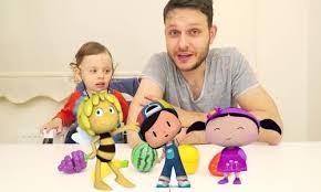 Çizgi Karakterleriyle Çocuklar Renkleri Öğreniyor