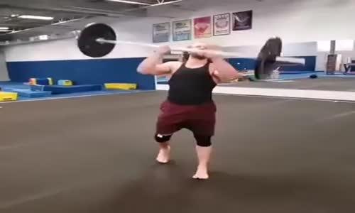 60 Kiloluk Halter ile Takla Atmak
