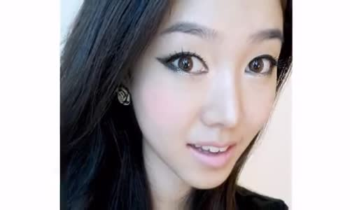 Koreli Kadın Makyajı