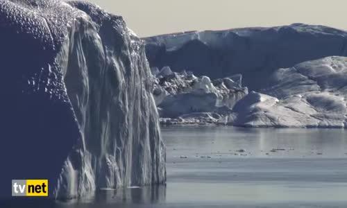 Devasa Buz Dağının İnanılmaz Parçalanma Anı
