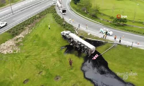TEM Çatalca Yolu'nda Zift Yüklü Tanker Devrildi