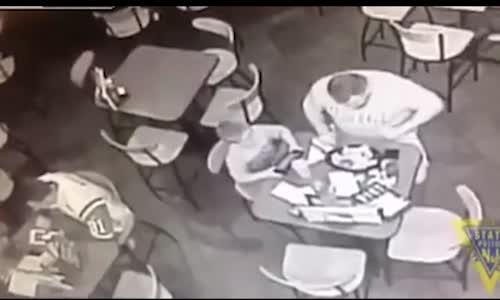 Hamburger Yiyen Adamın Hayatını Böyle Kurtardı