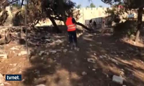 İsrail  Kudüs'te Şehit Mezarlığını Yıktı