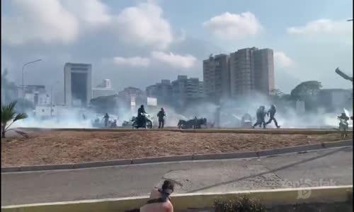 Venezuela'da Tehlikeli Gerginlik Sürüyor Taraflar Arasında Çatışma Çıktı