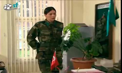 Emret Komutanım - Hamza'dan Liz'in Eski Sevgilisine Kapak Gibi Sözler Fena Korkuttu