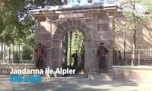 Jandarma ile Alpler Klip Çekti