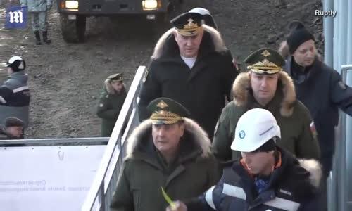 Rusya, Kutup Bölgesinde İnşa Ettiği Askeri Üssünü Tanıttı