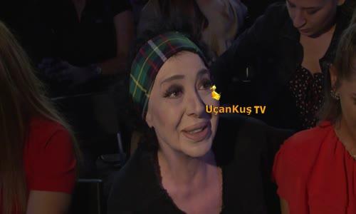 Nur Yerlitaş Beyin Ameliyatının Yıldönümünü Konserde Kutladı