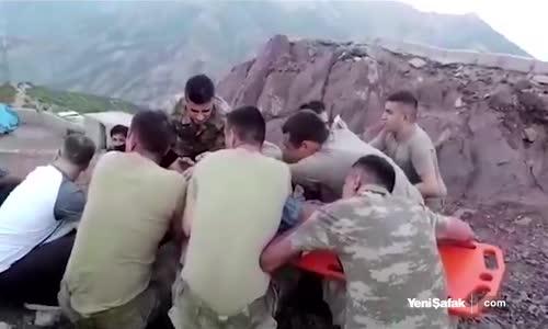 Mehmetçik Yine Gururlandırdı Yaralı Çocuk İçin Seferber Oldular