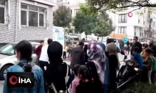 Fatih'te sosyal mesafesiz gelin alma merasimi