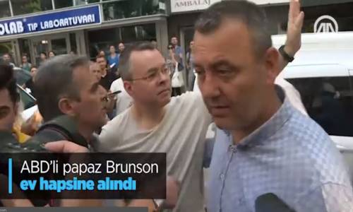 ABD'li Papaz Brunson Ev Hapsine Alındı