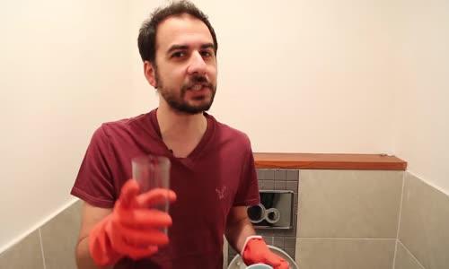 Tuvalet Sulu Eşek Şakası