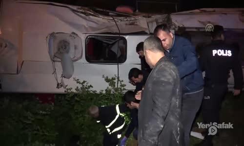 Adana'da Yolcu Otobüsü Devrildi- 2 Kişi Öldü