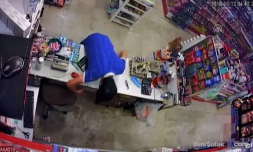 Marketteki Hırsızlık Güvenlik Kamerasında