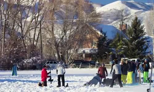 Kepçeye Kafa Tutan Snowboard Tutkunları