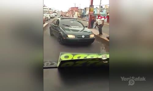 Kural İhlali Yapan Sürücüye Baltayla Saldırdı