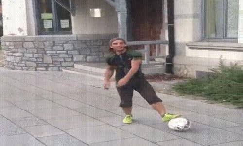 Futbol Topuyla En Son Bu Kadar Artistlik Yapılır