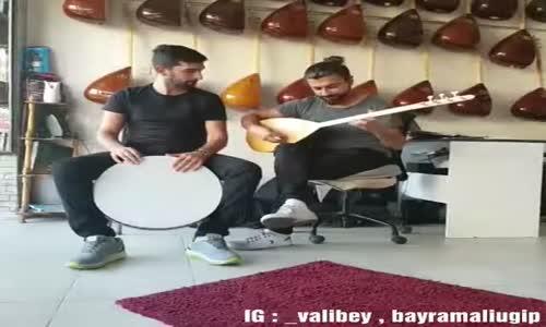 Falcao İçin Türkü Yakan Galatasaray Taraftarları