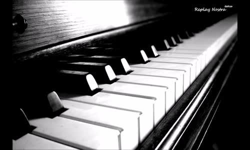 Türkçe Karışık Duygusal Fon Şarkılarını Piyano