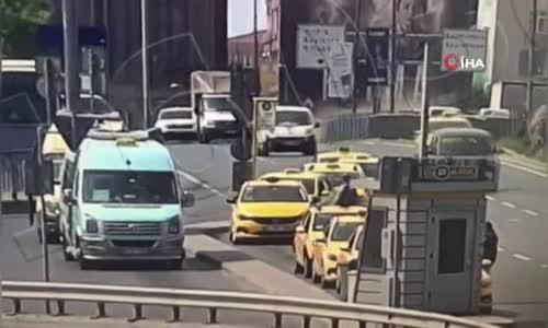 11 aracın karıştığı akılalmaz kaza kamerada- 4 yaralı