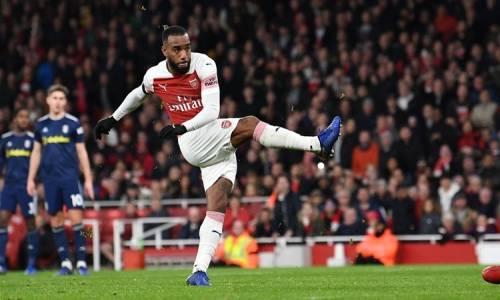 Arsenal 4 - 1 Fulham Maç Özeti İzle
